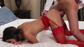 Dazzling beauty loves fucking in the ass